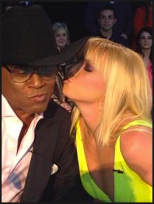 Britney-Spears-Celeb-Twitpics-Dec_15-Twitter