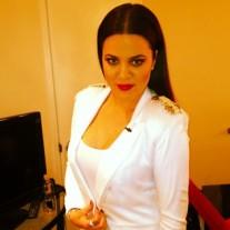 Khloe-Kardashian-Celeb-Twitpics-Dec_15-Twitter