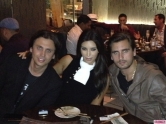 Kim-Kardashian-Celeb-Twitpics-Dec_23-Twitter-580x435