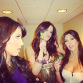 Kourtney-Khloe-Kim-Kardashian-Celeb-Twitpics-Dec_23-Twitter