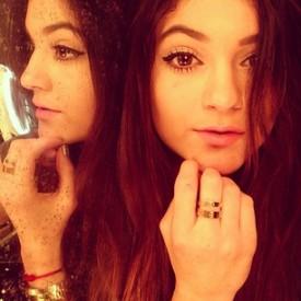 Kylie-Jenner-Celeb-Twitpics-Jan_12-Twitter
