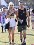 Coachella-Music-Festival-Day-Celebrity-Sightings-04132013-07-435x580