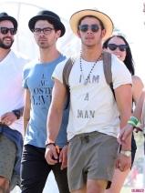Coachella-Music-Festival-Day-Celebrity-Sightings-04132013-10-435x580