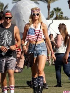 Coachella-Music-Festival-Indio-CA-04122013-7-435x580