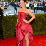 Kate-Beckinsale-Met-Gala-2013-435x580