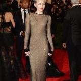 Miley-Cyrus-Met-Gala-2013-435x580