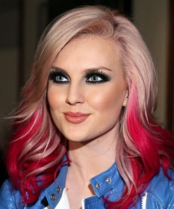 perrie-edwards-doit-faire-face-aux-medias-1440144567